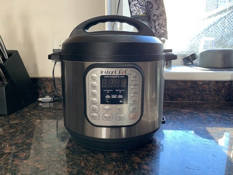 instant pot slow cooker on kitchen counter